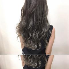 大人女子 アッシュグレージュ ハイライト セミロング ヘアスタイルや髪型の写真・画像