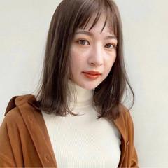 フェミニン レイヤーカット レイヤー ミディアムレイヤー ヘアスタイルや髪型の写真・画像
