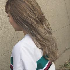 ハイライト グラデーションカラー 金髪 デート ヘアスタイルや髪型の写真・画像