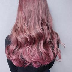 大人可愛い フェミニン インナーカラー バレイヤージュ ヘアスタイルや髪型の写真・画像