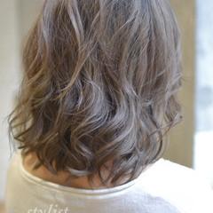 ダブルカラー アッシュ 大人かわいい 外国人風 ヘアスタイルや髪型の写真・画像