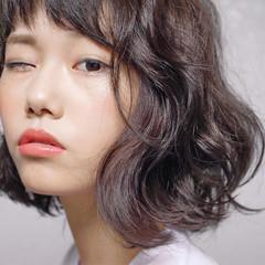 ナチュラル 色気 前髪あり パーマ ヘアスタイルや髪型の写真・画像