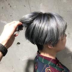 ホワイト シルバー ストリート ホワイトアッシュ ヘアスタイルや髪型の写真・画像