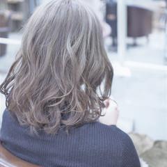 アッシュ ストリート 愛され グレージュ ヘアスタイルや髪型の写真・画像