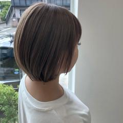 ボブ アッシュベージュ ダブルカラー ミルクティーグレージュ ヘアスタイルや髪型の写真・画像