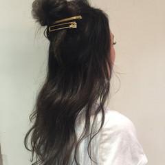 ウェーブ ヘアアレンジ フェミニン デート ヘアスタイルや髪型の写真・画像