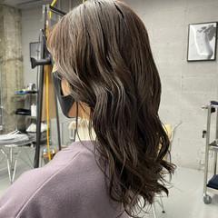 アッシュベージュ ナチュラル可愛い 透明感カラー ミディアム ヘアスタイルや髪型の写真・画像