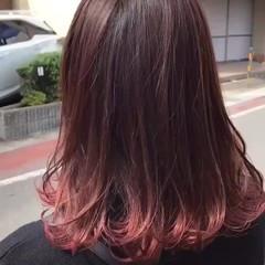グラデーションカラー ゆるふわ ピンクアッシュ ウェーブ ヘアスタイルや髪型の写真・画像