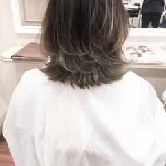グラデーションカラー ミディアム アッシュ 暗髪 ヘアスタイルや髪型の写真・画像