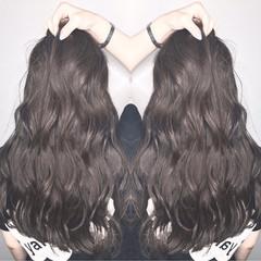 リラックス 秋 ハイライト ロング ヘアスタイルや髪型の写真・画像