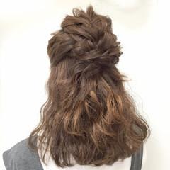 ミディアム ヘアアレンジ 愛され フェミニン ヘアスタイルや髪型の写真・画像