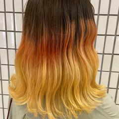 オレンジカラー ブリーチカラー グラデーションカラー ブリーチ ヘアスタイルや髪型の写真・画像