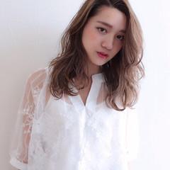 リラックス 外国人風カラー アンニュイ ウェーブ ヘアスタイルや髪型の写真・画像