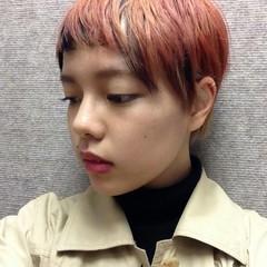 ショート アッシュ グラデーションカラー レッド ヘアスタイルや髪型の写真・画像