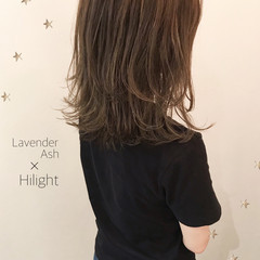 ハイライト 前髪あり 抜け感 ミディアム ヘアスタイルや髪型の写真・画像