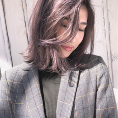 バレイヤージュ グレージュ ボブ ストリート ヘアスタイルや髪型の写真・画像