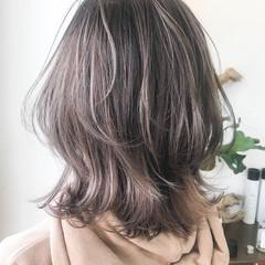ラベンダーアッシュ ミディアム ナチュラル ニュアンスウルフ ヘアスタイルや髪型の写真・画像