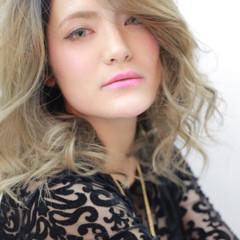 外国人風カラー 外国人風 ロング ゆるウェーブ ヘアスタイルや髪型の写真・画像