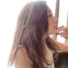 グレージュ グラデーションカラー 外国人風カラー ガーリー ヘアスタイルや髪型の写真・画像