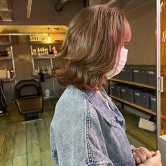 ミディアム 韓国ヘア ピンクベージュ 透明感カラー ヘアスタイルや髪型の写真・画像