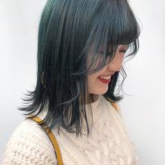 ストリート エメラルドグリーンカラー 韓国ヘア 派手髪 ヘアスタイルや髪型の写真・画像