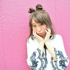 ミディアム ヘアアレンジ ガーリー アッシュ ヘアスタイルや髪型の写真・画像