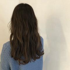 シアーベージュ オリーブベージュ オリーブアッシュ ヘアアレンジ ヘアスタイルや髪型の写真・画像