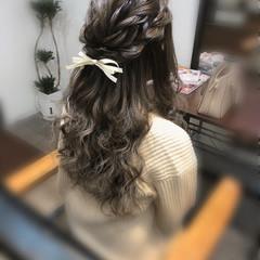 編み込み ガーリー ロング ヘアアレンジ ヘアスタイルや髪型の写真・画像