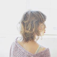 フェミニン グラデーションカラー ウルフカット ヘアアレンジ ヘアスタイルや髪型の写真・画像