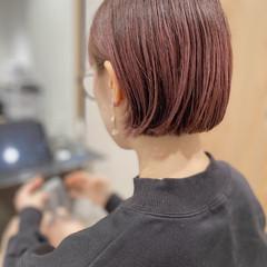前下がりボブ まとまるボブ 透明感カラー ピンクヘア ヘアスタイルや髪型の写真・画像