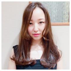 セミロング ゆるふわ グラデーションカラー フェミニン ヘアスタイルや髪型の写真・画像