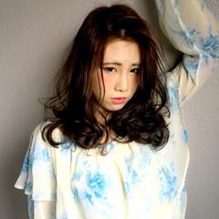 外国人風 ロング グラデーションカラー 前髪あり ヘアスタイルや髪型の写真・画像
