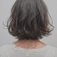 フェミニン 切りっぱなしボブ ショートヘア ショートボブ ヘアスタイルや髪型の写真・画像