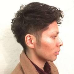 パーマ 刈り上げ 黒髪 ショート ヘアスタイルや髪型の写真・画像