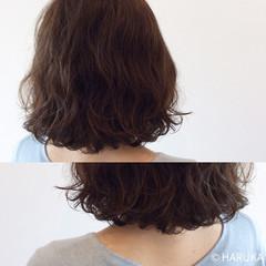 ハイライト パーマ ゆるふわ アッシュ ヘアスタイルや髪型の写真・画像