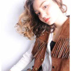 ストレート 春 ミディアム ウェーブ ヘアスタイルや髪型の写真・画像