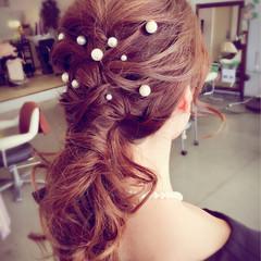ロング ヘアピン フェミニン ヘアアレンジ ヘアスタイルや髪型の写真・画像