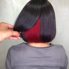 インナーカラー ベリーショート 切りっぱなしボブ ガーリー ヘアスタイルや髪型の写真・画像