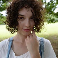 ナチュラル 大人かわいい フェミニン パーマ ヘアスタイルや髪型の写真・画像