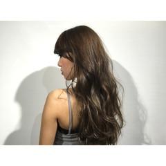 暗髪 ゆるふわ 外国人風 ストリート ヘアスタイルや髪型の写真・画像