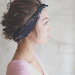 フェミニン 簡単ヘアアレンジ ゆるふわ パーティ ヘアスタイルや髪型の写真・画像