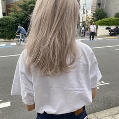 ホワイトブリーチ アッシュ ホワイトアッシュ ホワイトベージュ ヘアスタイルや髪型の写真・画像