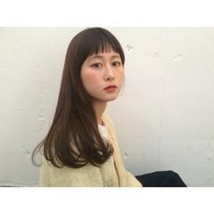 オン眉 レイヤーカット 外国人風 前髪あり ヘアスタイルや髪型の写真・画像