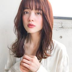 韓国ヘア ゆるふわパーマ セミロング ナチュラル ヘアスタイルや髪型の写真・画像