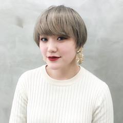 フェミニン デート アッシュベージュ ミルクティーベージュ ヘアスタイルや髪型の写真・画像