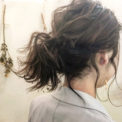 ミディアム アッシュ ミルクティー ウルフカット ヘアスタイルや髪型の写真・画像