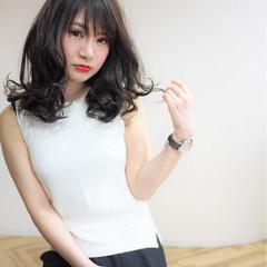大人かわいい ミディアム アッシュ フェミニン ヘアスタイルや髪型の写真・画像