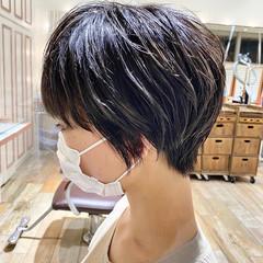 丸みショート ショートボブ 前下がりショート ショートヘア ヘアスタイルや髪型の写真・画像