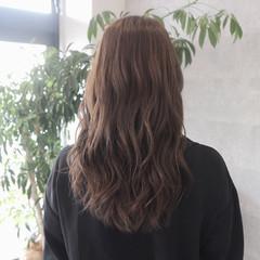 アッシュグレージュ 上品 秋 ブリーチなし ヘアスタイルや髪型の写真・画像