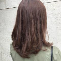 ナチュラル 春 ミディアム レイヤーカット ヘアスタイルや髪型の写真・画像